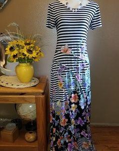 PRETTY FLORAL & STRIPE MAXI DRESS